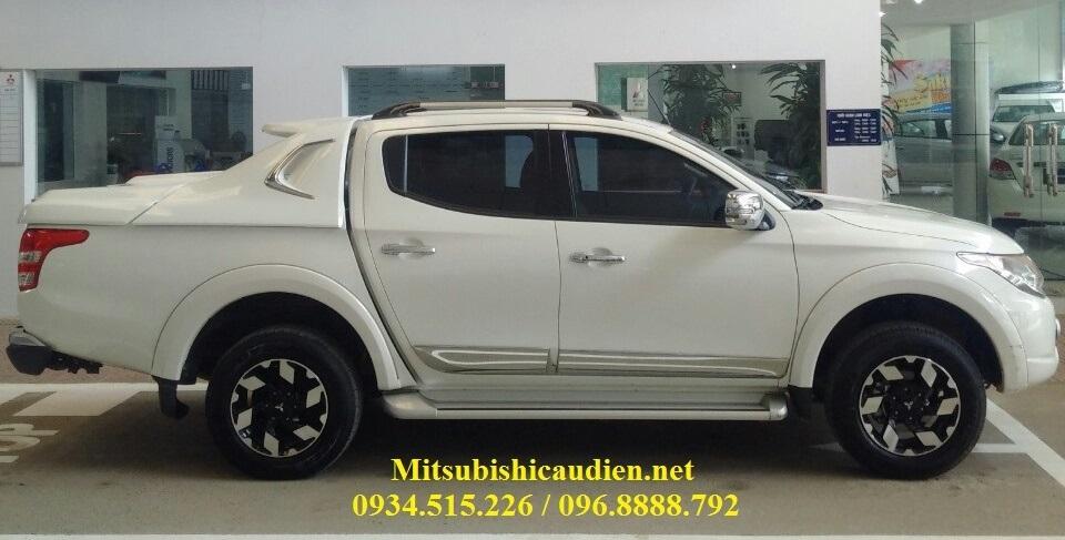 Mitsubishi-triton-mau-trang