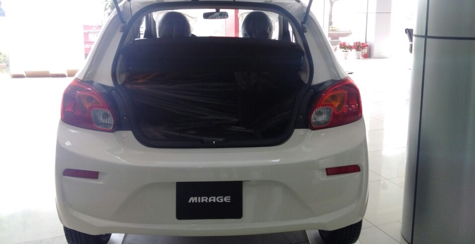 cop-xe-Mitsubishi-mirage